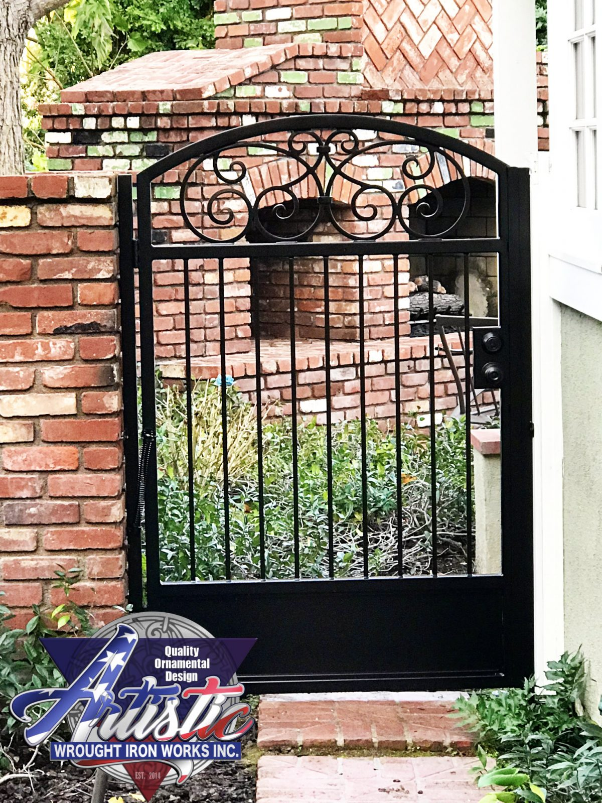 Black Iron Side Gate 1352 - Artistic Wrought Iron Works Inc